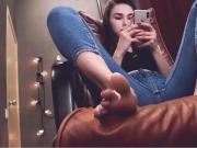 Hot girl show her feet ln webcam