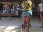 Latina Mature Mall Candid