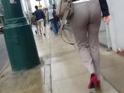 NICE ASS WALKING