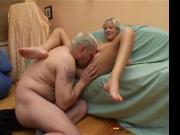 Kurzhaarige Blonde von nebenan will blasen!