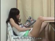 Peep the masturbation of japanese slender girl.