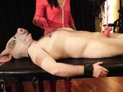 Bondage genital y rueda