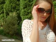 Sapphix presents Zara using fingers solo