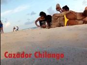Thong on the beach-Culona en tanga en la playa