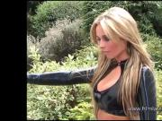 Blonde latex babe Amandas outdoor high heel boots and tight