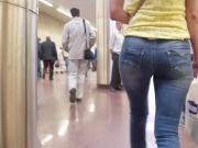 russian young woman ass in metro.mp4