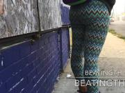 YOUNG CHICK FLEXING THAT AZZ LEGGING