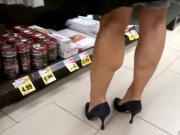 Strong MILF legs in heels