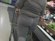 Loose booty in sweat pants