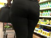 Thick ass redbone in black leggings part 1