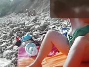 Unique video de ma femme sur la plage ..pudique