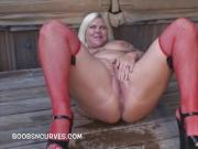 Kristine Kurvz pissing outdoors