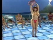 Amy Vs Bruna - Sexy Strip Duell