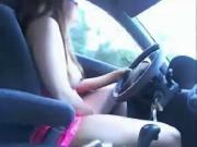 Big Tit Slut Masturabtes While Driving Car