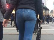 Candid jeans ass