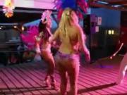 Danseuse belles fesses