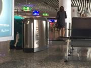 flying ''en femme'', Gate 21 FRA airport