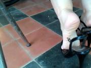 Exibindo meus pes Sandalia Salto Alto
