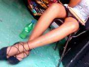 entre piernas sentada
