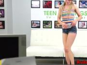 Submissive teen deepthroats at casting