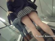 Sexe dans la caBine d'essayage avec cam voyeur live direct