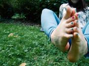 Pastel toes outdoor