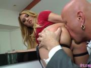 Toy loving domina pegs her submissive bf