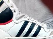 Sneakers masturbation