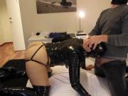 Latex Belle - anal plugged