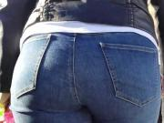 Blonde witn massive ass go to the bus