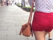 French big ass in red shorts, Culote de francesa