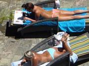 hot girls poolside in waikiki