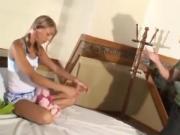 Tio 'violentando' sobrinha Fernandinha Fernandez