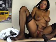 Ebony in RHT stockings and Loubuotin Shoes squirts on the ta