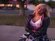 AdultMemberZone - Cheerleader gets picked up for a ride.