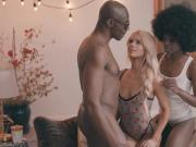 Sexy Elsa Jean interracial threeway with Ava Foxx