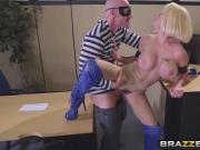 Brazzers - Brazzers Exxtra - Power Rack A XXX Parody scene