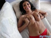 Dicksucking milf shakes her bigtits