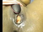 Sexy black woman bates & cums