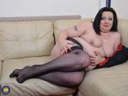 Curvy housewife Roxy playing with herself