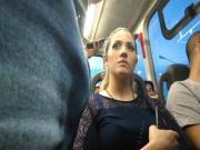 Manjando #01 - Loirinha discreta querendo pau no bus