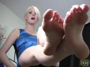 Jerk your cock to my tiny feet