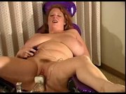 Nice bbw taking the fuck machine