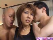 Oshima Karen in pink lingerie sucks dicks