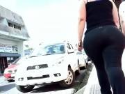 thick hips n ass