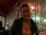 La porn-star Djuliana Sapapaya depucele un jeunot