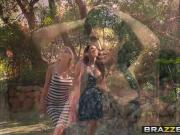 Brazzers - Milfs Like it Big - Pervert In The Park scene sta