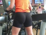 Candid Pawg in Gym Fasted Cardio