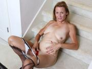 American milf Jayden Matthews gets turned on in pantyhose