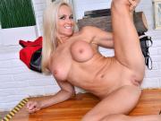 North American hot mature lady Dani Dare
